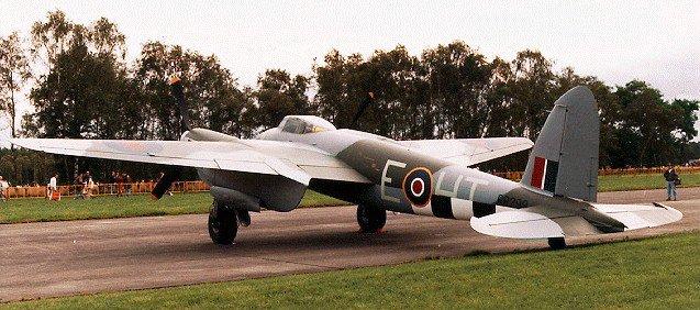 Mosquito, el avión de madera de la Segunda Guerra Mundial